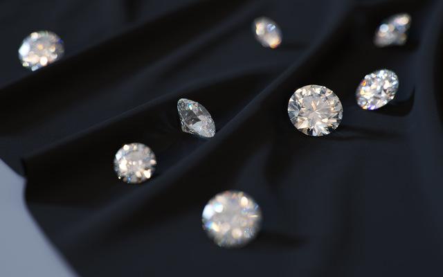 Diamonds on Cloth